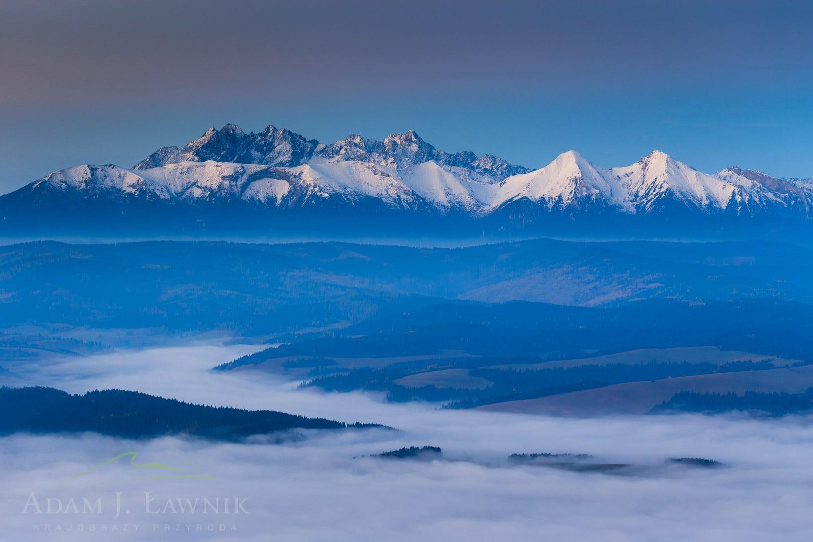 Widok z Trzech Koron na Tatry w Pienińskim Parku Narodowym