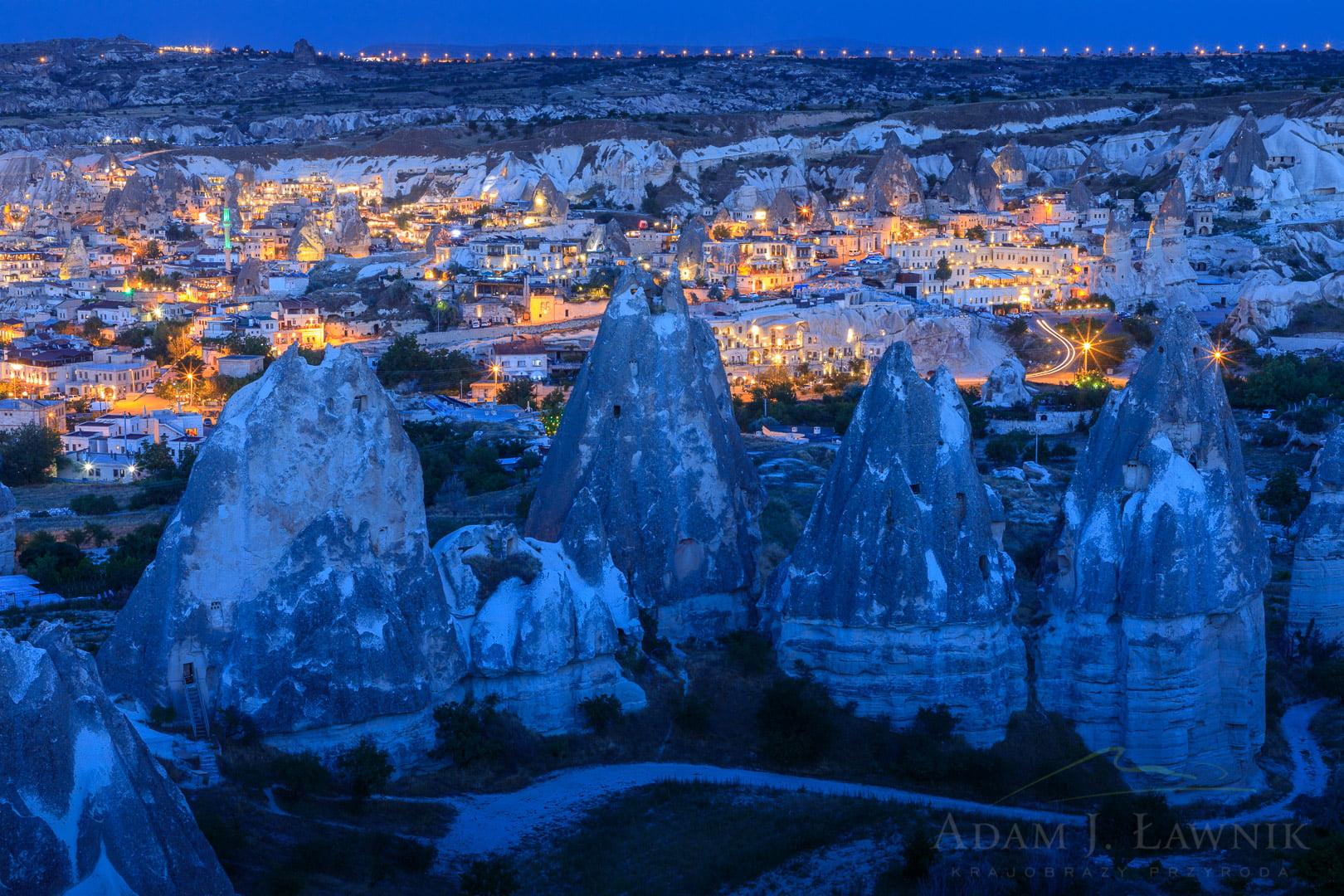 Wieczór w Göreme w Kapadocji